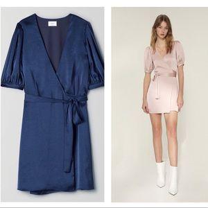 ❤️HOST PICK❤️ ✨NWT✨Aritzia navy blue wrap dress